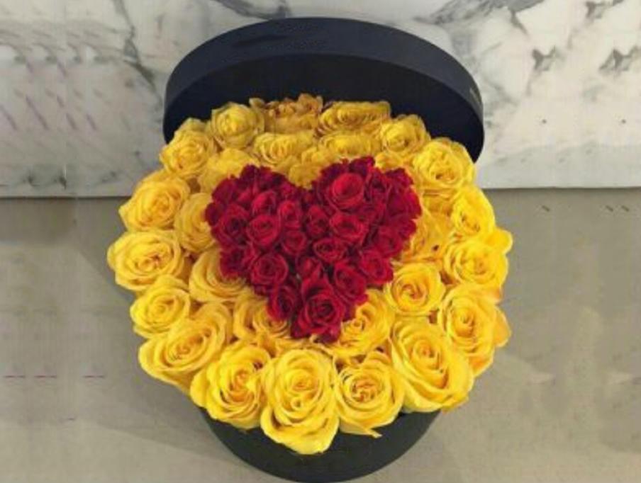 Poklon cvetni aranžman  Barbara