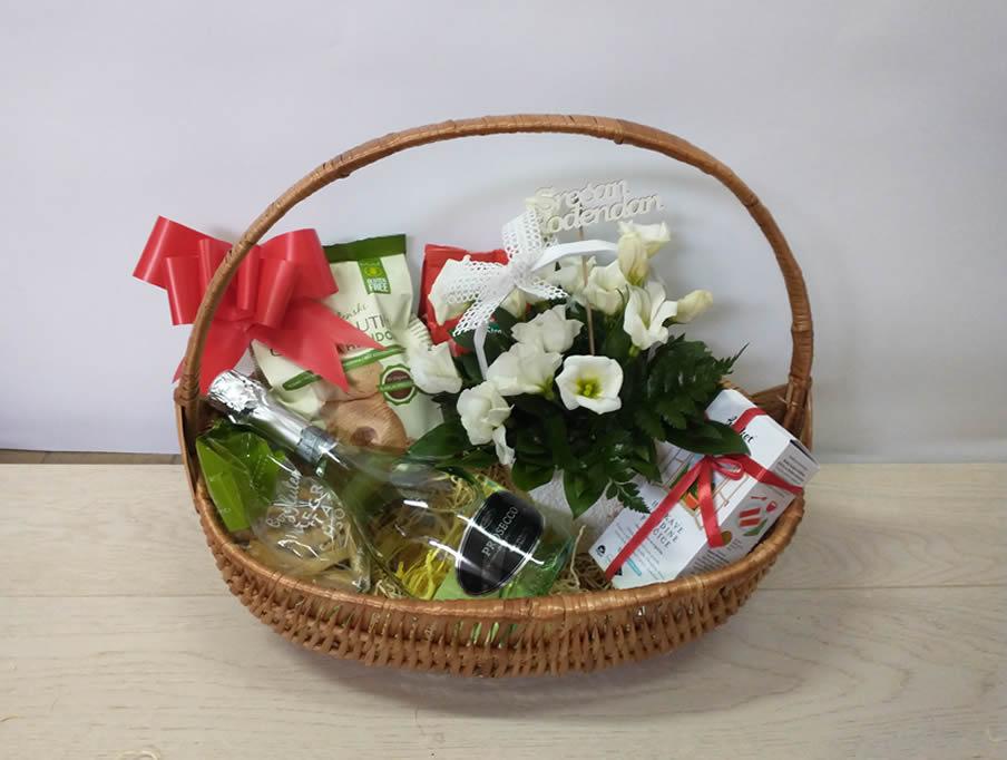 Poklon korpa - Prosseco and flowers